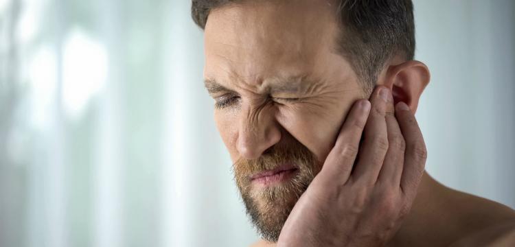 5 házi praktika az ínyfájdalom csökkentésére