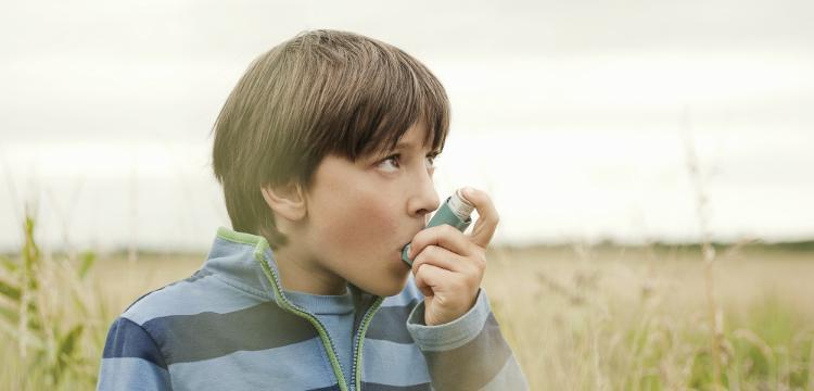 Az asztma és az allergia kezelése gyerekkorban