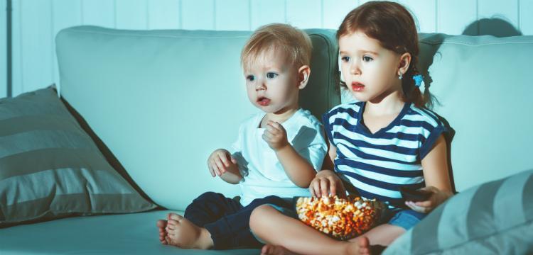 Ezt teszi egy gyerek agyával a túl sok TV nézés