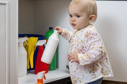 Mérgezések megelőzése gyermekkorban