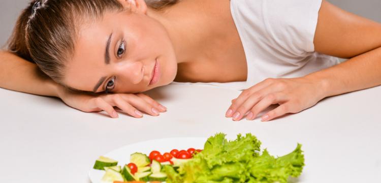 Veszélyes diéták, melyek akár vérzékenységet is okozhatnak!